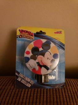 NEW! DISNEY JUNIOR MICKEY and the Roadster Racers LED Night